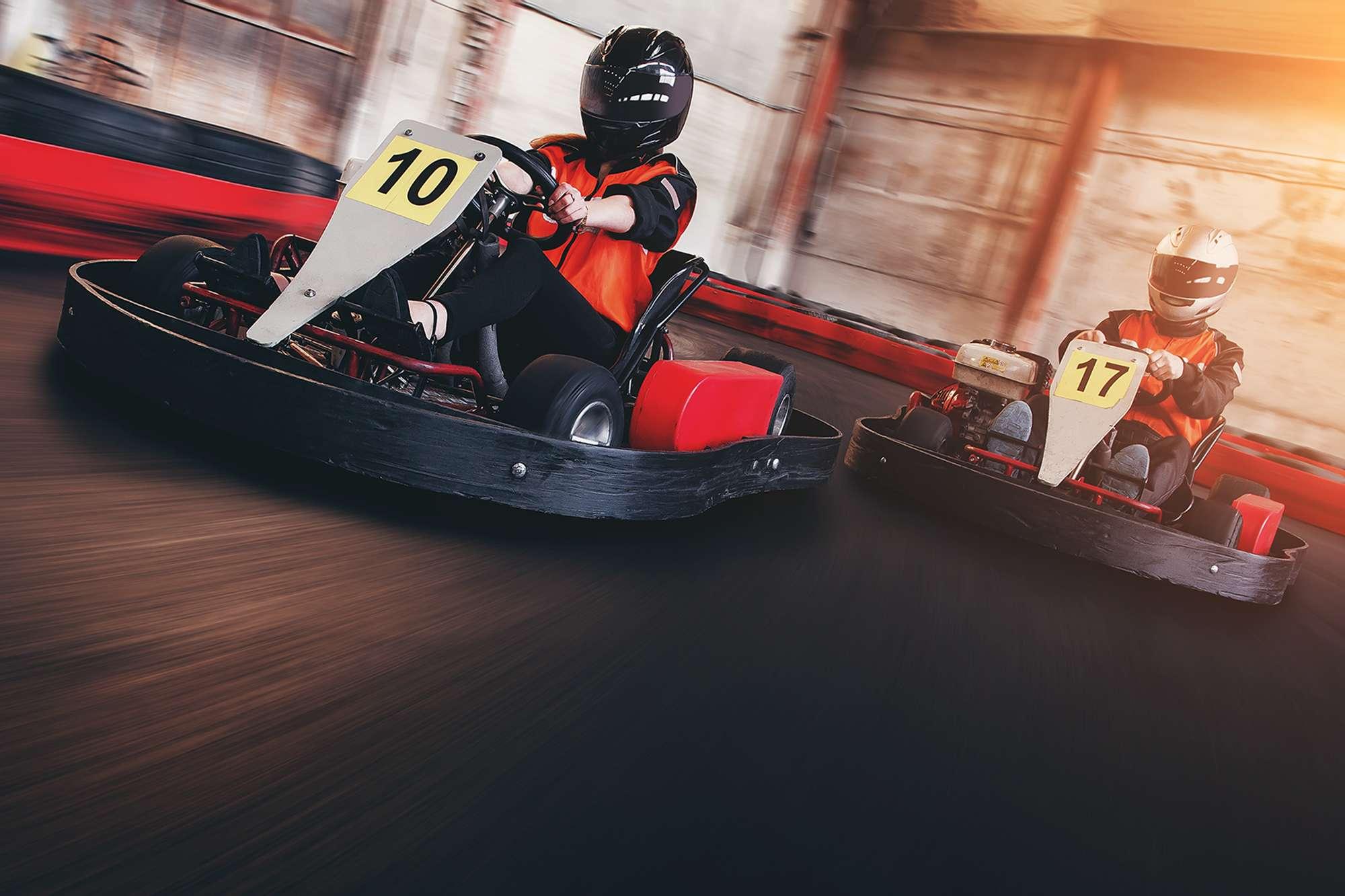 Go kart speed rive indor race oposition race